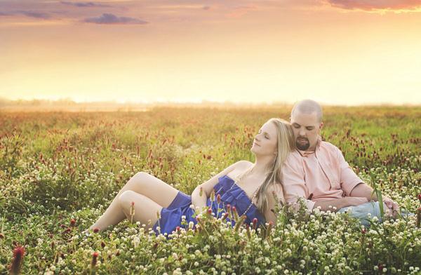 Ảnh cưới trên đồng cỏ hoa cải vàng ngập tràn (13) tại Cưới hỏi trọn gói 365