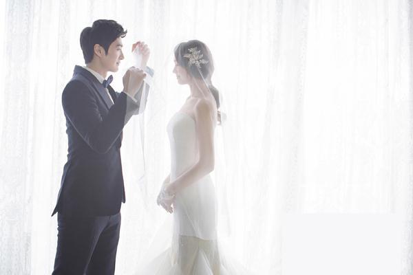 Ảnh cưới trong nhà phong cách công chúa (01) tại Cưới hỏi trọn gói 365