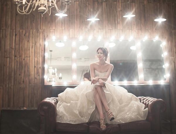 Ảnh cưới trong nhà phong cách công chúa (04) tại Cưới hỏi trọn gói 365
