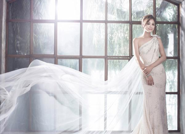 Ảnh cưới trong nhà phong cách công chúa (06) tại Cưới hỏi trọn gói 365