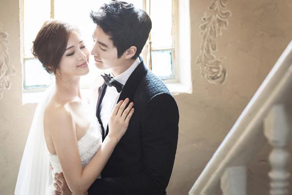 Ảnh cưới trong nhà phong cách công chúa (09) tại Cưới hỏi trọn gói 365