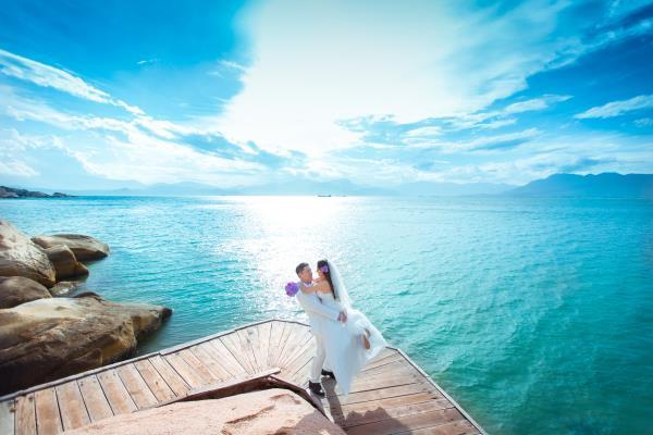 Cô dâu đẹp như thiên thần khi chọn gam màu tím và xanh biển ngọt lịm bên nụ cười hạnh phúc (03) tại Cưới hỏi trọn gói 365
