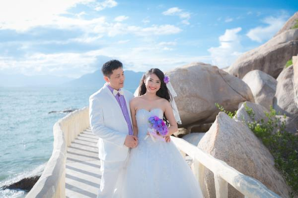 Cô dâu đẹp như thiên thần khi chọn gam màu tím và xanh biển ngọt lịm bên nụ cười hạnh phúc (05) tại Cưới hỏi trọn gói 365