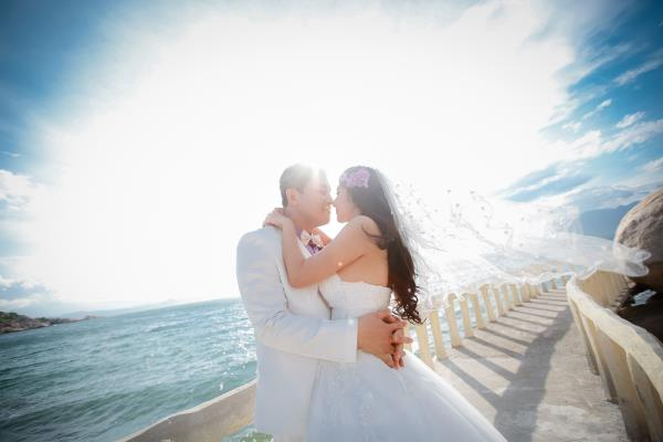 Cô dâu đẹp như thiên thần khi chọn gam màu tím và xanh biển ngọt lịm bên nụ cười hạnh phúc (06) tại Cưới hỏi trọn gói 365