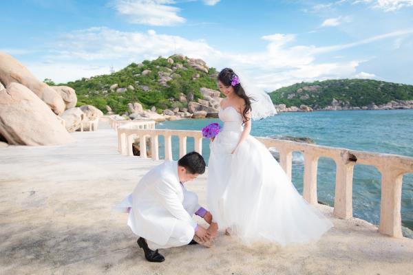 Cô dâu đẹp như thiên thần khi chọn gam màu tím và xanh biển ngọt lịm bên nụ cười hạnh phúc (08) tại Cưới hỏi trọn gói 365
