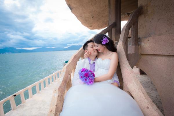 Cô dâu đẹp như thiên thần khi chọn gam màu tím và xanh biển ngọt lịm bên nụ cười hạnh phúc (12) tại Cưới hỏi trọn gói 365