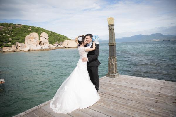 Cô dâu đẹp như thiên thần khi chọn gam màu tím và xanh biển ngọt lịm bên nụ cười hạnh phúc (17) tại Cưới hỏi trọn gói 365
