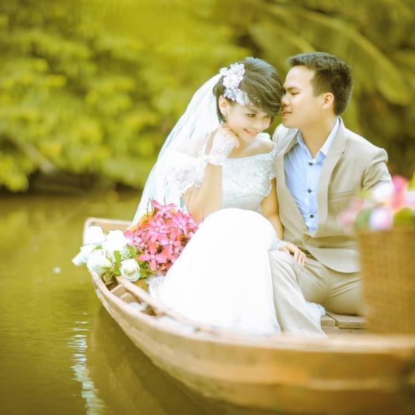Cô dâu tóc ngắn dễ thương đáng yêu nhận hạnh phúc ngọt ngào bên chú rể điểm trai (03) tại Cưới hỏi trọn gói 365