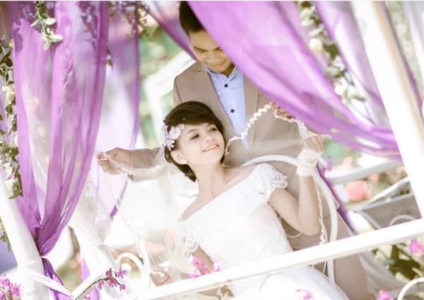 Cô dâu tóc ngắn dễ thương đáng yêu nhận hạnh phúc ngọt ngào bên chú rể điểm trai (06) tại Cưới hỏi trọn gói 365