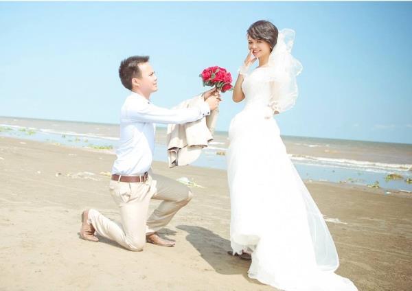 Cô dâu tóc ngắn dễ thương đáng yêu nhận hạnh phúc ngọt ngào bên chú rể điểm trai (11) tại Cưới hỏi trọn gói 365
