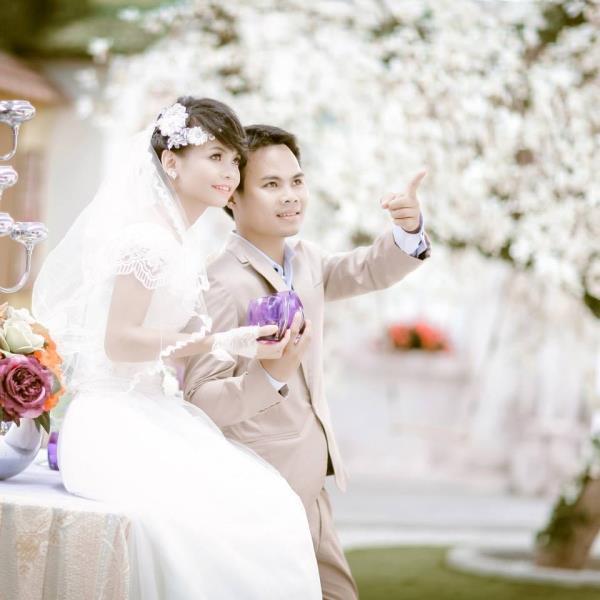 Cô dâu tóc ngắn dễ thương đáng yêu nhận hạnh phúc ngọt ngào bên chú rể điểm trai (12) tại Cưới hỏi trọn gói 365