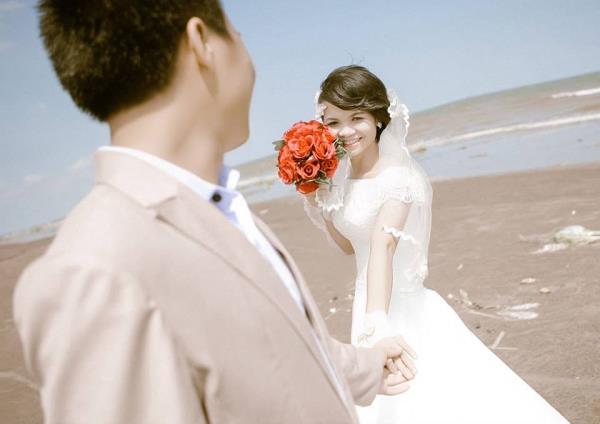 Cô dâu tóc ngắn dễ thương đáng yêu nhận hạnh phúc ngọt ngào bên chú rể điểm trai (20) tại Cưới hỏi trọn gói 365