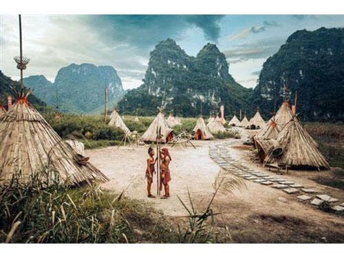 Hình ảnh đẹp Ảnh cưới tái hiện phim King Kong tại