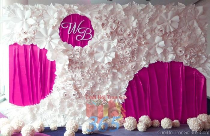 Backdrop hoa đám cưới tông màu trắng hồng đặc biệt nổi bật và sángBDNH45 : Mẫu cưới hỏi trọn gói 365 của công ty dịch vụ trang trí nhà tiệc cưới hỏi đẹp rẻ uy tín ở tại quận Tân Phú Sài Gòn TPHCM Gò Vấp