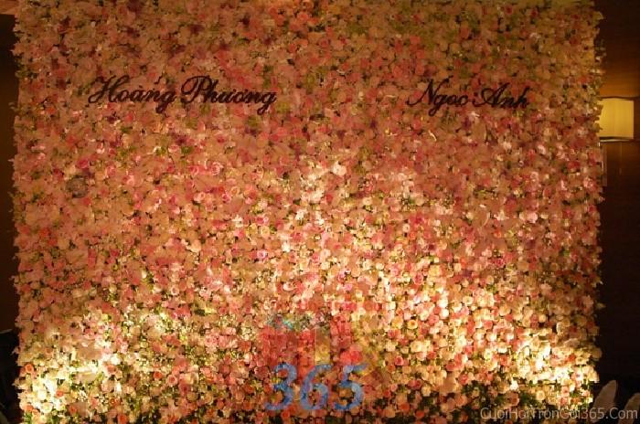 Backdrop hoa tươi đám cưới tông màu hồng pastel dễ thương lãng mạn từ hoa BDNH38 : Mẫu cưới hỏi trọn gói 365 của công ty dịch vụ trang trí nhà tiệc cưới hỏi đẹp rẻ uy tín ở tại quận Tân Phú Sài Gòn TPHCM Gò Vấp