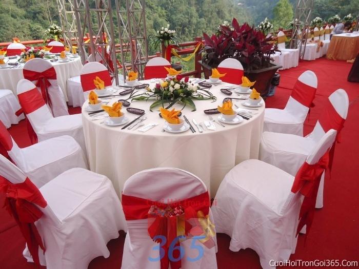 Cho thuê bàn ghế dựa cao cấp màu đỏ trang trí lễ cưới, đãi tiệc cưới ăn hỏi BG15 : Mẫu cưới hỏi trọn gói 365 của công ty dịch vụ trang trí nhà tiệc cưới hỏi đẹp rẻ uy tín ở tại quận Tân Phú Sài Gòn TPHCM Gò Vấp