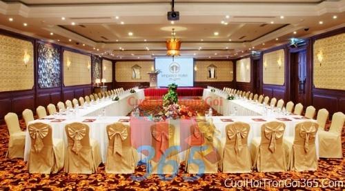 Cho thuê bàn ghế dựa cao cấp màu vàng đồng trang trí lễ cưới, đãi tiệc cưới ăn hỏi BG13 : Mẫu cưới hỏi trọn gói 365 của công ty dịch vụ trang trí nhà tiệc cưới hỏi đẹp rẻ uy tín ở tại quận Tân Phú Sài Gòn TPHCM Gò Vấp