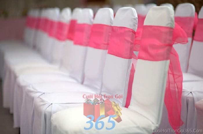 Cho thuê bàn ghế dựa màu trắng hồng  trang trí lễ cưới, đãi tiệc cưới ănBG16 : Mẫu cưới hỏi trọn gói 365 của công ty dịch vụ trang trí nhà tiệc cưới hỏi đẹp rẻ uy tín ở tại quận Tân Phú Sài Gòn TPHCM Gò Vấp