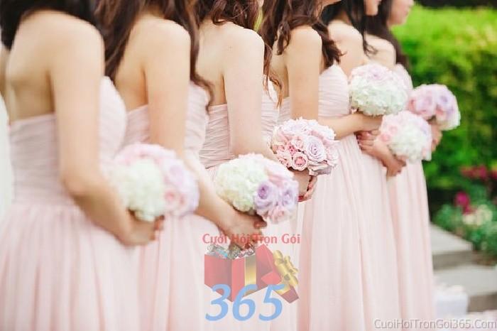Cho thuê đồng phục váy màu hồng pastel nhẹ nhàng, trong sáng cho cô dâu phụ hoặc bưng mâm quả ngày đám cướiDP11 : Mẫu cưới hỏi trọn gói 365 của công ty dịch vụ trang trí nhà tiệc cưới hỏi đẹp rẻ uy tín ở tại quận Tân Phú Sài Gòn TPHCM Gò Vấp