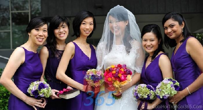 Cho thuê đồng phục váy tím điệu đà cho cô dâu phụ hoặc bưng mâm quả ngày đám cướiDP14 : Mẫu cưới hỏi trọn gói 365 của công ty dịch vụ trang trí nhà tiệc cưới hỏi đẹp rẻ uy tín ở tại quận Tân Phú Sài Gòn TPHCM Gò Vấp
