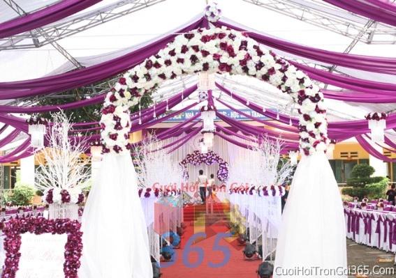 Cho thuê nhà tiệc khung rạp cưới màu tím làm lễ đãi tiệc đám cưới ăn hỏi RC02 : Mẫu cưới hỏi trọn gói 365 của công ty dịch vụ trang trí nhà tiệc cưới hỏi đẹp rẻ uy tín ở tại quận Tân Phú Sài Gòn TPHCM Gò Vấp