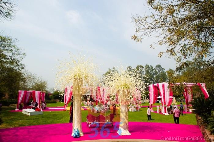 Cho thuê nhà tiệc, lều rạp đón khách tông trắng hồng sen theo yêu cầu cho tiệc ngày đám cướiRC07 : Mẫu cưới hỏi trọn gói 365 của công ty dịch vụ trang trí nhà tiệc cưới hỏi đẹp rẻ uy tín ở tại quận Tân Phú Sài Gòn TPHCM Gò Vấp