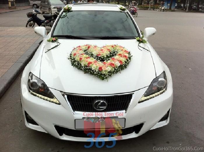Cho thuê xe cưới 4 chỗ màu trắng kết hoa tươi hồngtrắng kết hoa tươi trắng cam dễ thương, năng động để đón rước dâu ngày đám X4C37 : Mẫu cưới hỏi trọn gói 365 của công ty dịch vụ trang trí nhà tiệc cưới hỏi đẹp rẻ uy tín ở tại quận Tân Phú Sài Gòn TPHCM Gò Vấp