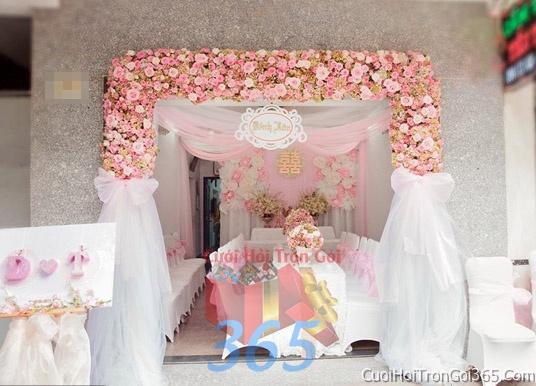 Cổng cưới hoa tươi tông màu hồng pastel kết đẹp, sang trọng từ hoa tươi và dây voan CHT04 : Mẫu cưới hỏi trọn gói 365 của công ty dịch vụ trang trí nhà tiệc cưới hỏi đẹp rẻ uy tín ở tại quận Tân Phú Sài Gòn TPHCM Gò Vấp