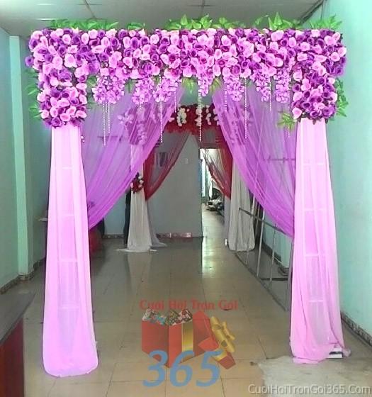 Cổng cưới hoa vải giả màu trắng tím hình mái ngang kết từ hoa hồng lan giả và voan cho lễ ăn hỏi, đám CHV02 : Mẫu cưới hỏi trọn gói 365 của công ty dịch vụ trang trí nhà tiệc cưới hỏi đẹp rẻ uy tín ở tại quận Tân Phú Sài Gòn TPHCM Gò Vấp