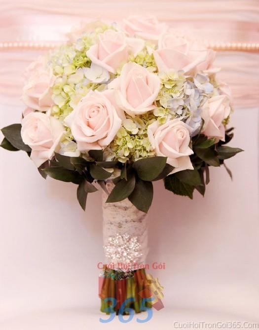 Hoa cầm tay cô dâu hồng xanh kết đẹp, phong cách giản dị, tinh khôi cho ngày lễ ăn hỏi, tiệc đám HC62 : Mẫu cưới hỏi trọn gói 365 của công ty dịch vụ trang trí nhà tiệc cưới hỏi đẹp rẻ uy tín ở tại quận Tân Phú Sài Gòn TPHCM Gò Vấp