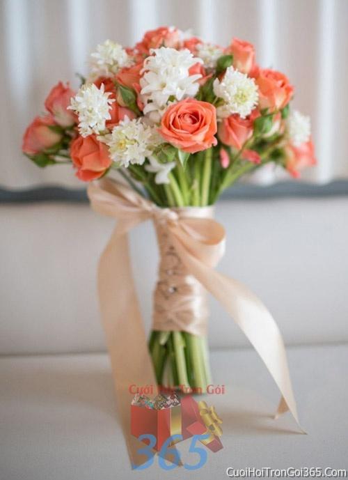 Hoa cầm tay cô dâu tông màu cam kết đẹp, dễ thương cho ngày lễ ăn hỏi, tiệc đám cưới HC15 : Mẫu cưới hỏi trọn gói 365 của công ty dịch vụ trang trí nhà tiệc cưới hỏi đẹp rẻ uy tín ở tại quận Tân Phú Sài Gòn TPHCM Gò Vấp