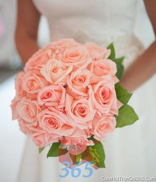 Hoa cầm tay cô dâu tông màu hồng kết đẹp, dễ thương cho ngày lễ ăn hỏi, tiệc đám cưới HC19 : Mẫu cưới hỏi trọn gói 365 của công ty dịch vụ trang trí nhà tiệc cưới hỏi đẹp rẻ uy tín ở tại quận Tân Phú Sài Gòn TPHCM Gò Vấp