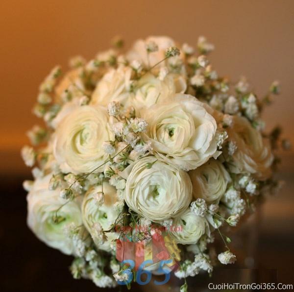 Hoa cầm tay cô dâu tông màu trắng kết đẹp, dễ thương cho ngày lễ ăn hỏi, tiệc đám cưới HC30 : Mẫu cưới hỏi trọn gói 365 của công ty dịch vụ trang trí nhà tiệc cưới hỏi đẹp rẻ uy tín ở tại quận Tân Phú Sài Gòn TPHCM Gò Vấp