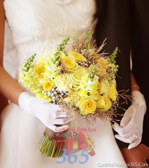 Hoa cầm tay cô dâu tông màu vàng trắng kết đẹp, dễ thương cho ngày lễ ăn hỏi, tiệc đám cưới HC44 : Mẫu cưới hỏi trọn gói 365 của công ty dịch vụ trang trí nhà tiệc cưới hỏi đẹp rẻ uy tín ở tại quận Tân Phú Sài Gòn TPHCM Gò Vấp