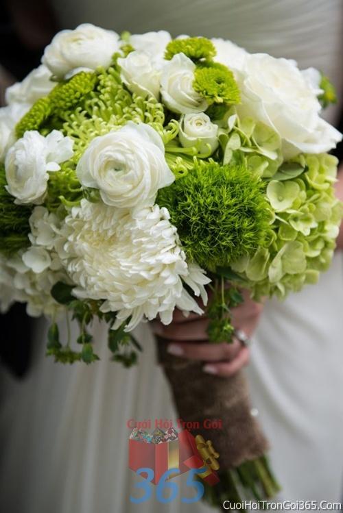 Hoa cầm tay cô dâu tông trắng xanh lá kết đẹp, dễ thương cho ngày lễ ăn hỏi, tiệc đám cưới HC48 : Mẫu cưới hỏi trọn gói 365 của công ty dịch vụ trang trí nhà tiệc cưới hỏi đẹp rẻ uy tín ở tại quận Tân Phú Sài Gòn TPHCM Gò Vấp