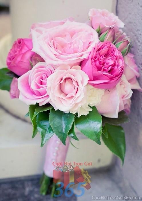 Hoa cầm tay cô dâu trắng hồng kết đẹp, phong cách dịu ngọt cho ngày lễ ăn hỏi, tiệc đám HC66 : Mẫu cưới hỏi trọn gói 365 của công ty dịch vụ trang trí nhà tiệc cưới hỏi đẹp rẻ uy tín ở tại quận Tân Phú Sài Gòn TPHCM Gò Vấp