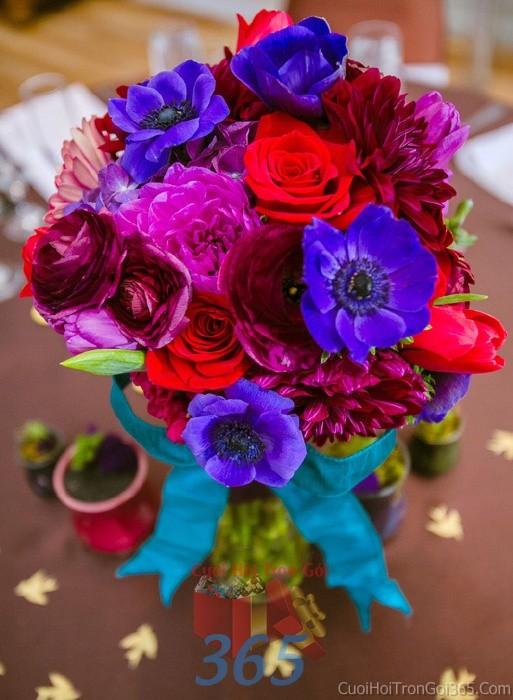 Hoa để bàn tông đỏ xanh đa sắc lễ cưới, ăn hỏi, đính hôn để trang trí nhà ngày cướiHDB18 : Mẫu cưới hỏi trọn gói 365 của công ty dịch vụ trang trí nhà tiệc cưới hỏi đẹp rẻ uy tín ở tại quận Tân Phú Sài Gòn TPHCM Gò Vấp