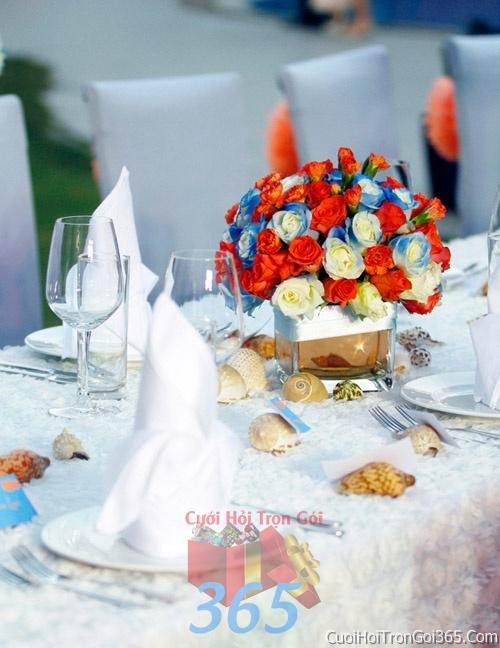 Hoa để bàn tông màu cam xanh dương làm lễ gia tiên, trang trí nhà ngày đám cưới hỏi HDB03 : Mẫu cưới hỏi trọn gói 365 của công ty dịch vụ trang trí nhà tiệc cưới hỏi đẹp rẻ uy tín ở tại quận Tân Phú Sài Gòn TPHCM Gò Vấp