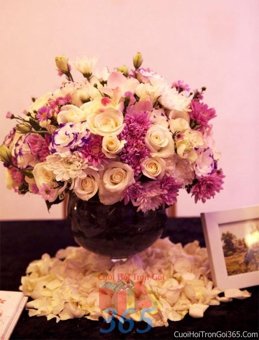 Hoa để bàn tông màu hồng đa sắc làm lễ gia tiên, trang trí nhà ngày đám cưới hỏi HDB06 : Mẫu cưới hỏi trọn gói 365 của công ty dịch vụ trang trí nhà tiệc cưới hỏi đẹp rẻ uy tín ở tại quận Tân Phú Sài Gòn TPHCM Gò Vấp