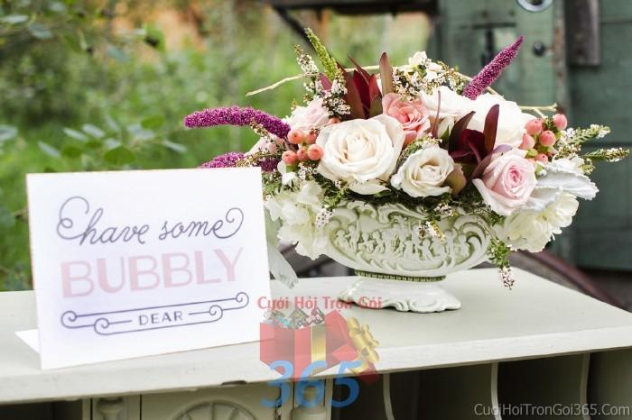 Hoa để bàn tông trắng tím đa sắc cho lễ cưới, ăn hỏi, đính hôn để trang trí nhà ngày cướiHDB15 : Mẫu cưới hỏi trọn gói 365 của công ty dịch vụ trang trí nhà tiệc cưới hỏi đẹp rẻ uy tín ở tại quận Tân Phú Sài Gòn TPHCM Gò Vấp