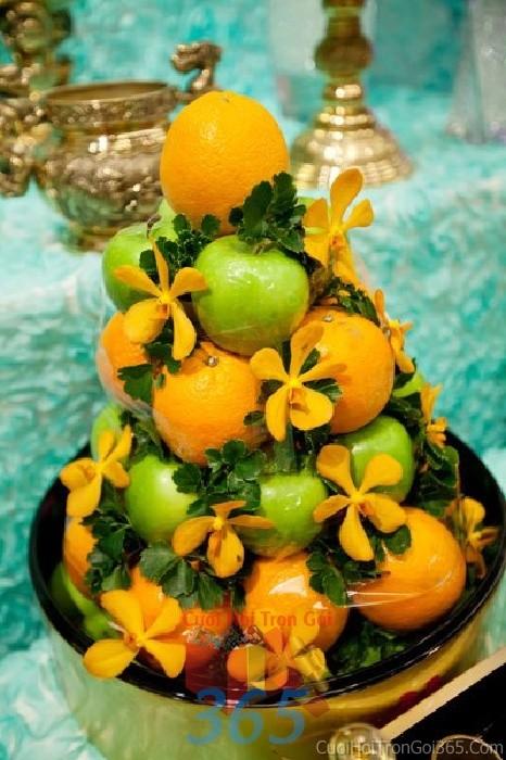 Mâm quả cưới hỏi trái cây táo cam cho nghi lễ gia tiên ăn hỏi, đám MQ13 : Mẫu cưới hỏi trọn gói 365 của công ty dịch vụ trang trí nhà tiệc cưới hỏi đẹp rẻ uy tín ở tại quận Tân Phú Sài Gòn TPHCM Gò Vấp