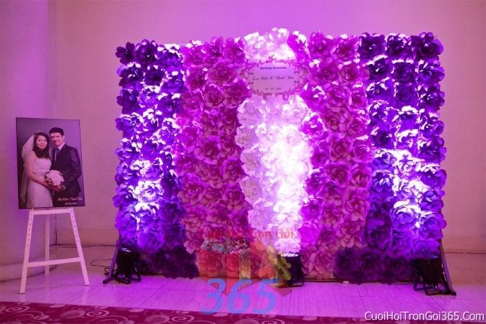 Phông cưới backdrop chụp hình đám cưới ngày lễ ăn hỏi làm bằng hoa giấy vải tông màu tím lãng mạn BDNH15 : Mẫu cưới hỏi trọn gói 365 của công ty dịch vụ trang trí nhà tiệc cưới hỏi đẹp rẻ uy tín ở tại quận Tân Phú Sài Gòn TPHCM Gò Vấp