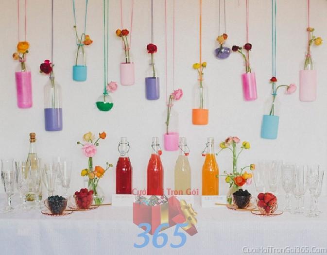 Phụ kiện đám cưới chai lọ thủy tinh đa sắc dễ thương dùng để trang trí bàn ký tên đón khách, không gian tiệc cưới nhà PKC43 : Mẫu cưới hỏi trọn gói 365 của công ty dịch vụ trang trí nhà tiệc cưới hỏi đẹp rẻ uy tín ở tại quận Tân Phú Sài Gòn TPHCM Gò Vấp