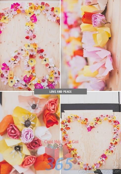Phụ kiện đám cưới hoa giấy nhỏ xinh đa sắc dùng để trang trí bàn ký tên đón khách, không gian tiệc cưới nhà PKC53 : Mẫu cưới hỏi trọn gói 365 của công ty dịch vụ trang trí nhà tiệc cưới hỏi đẹp rẻ uy tín ở tại quận Tân Phú Sài Gòn TPHCM Gò Vấp