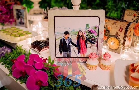 Phụ kiện khung hình cưới trang trí đám cưới, không gian tiệc nhà hàng sang trọng ấn tượng PKC07 : Mẫu cưới hỏi trọn gói 365 của công ty dịch vụ trang trí nhà tiệc cưới hỏi đẹp rẻ uy tín ở tại quận Tân Phú Sài Gòn TPHCM Gò Vấp