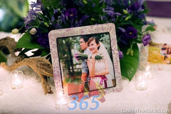 Phụ kiện khung hình cưới trang trí đám cưới, không gian tiệc nhà hàng sang trọng ấn tượng PKC09 : Mẫu cưới hỏi trọn gói 365 của công ty dịch vụ trang trí nhà tiệc cưới hỏi đẹp rẻ uy tín ở tại quận Tân Phú Sài Gòn TPHCM Gò Vấp