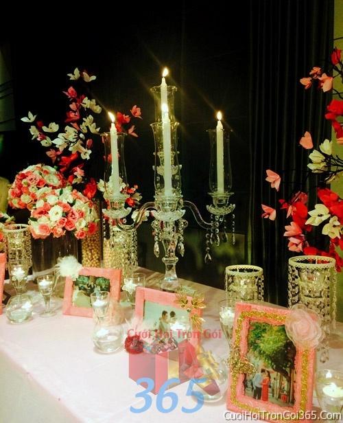 Phụ kiện khung hình cưới trang trí đám cưới, không gian tiệc nhà hàng sang trọng ấn tượng PKC11 : Mẫu cưới hỏi trọn gói 365 của công ty dịch vụ trang trí nhà tiệc cưới hỏi đẹp rẻ uy tín ở tại quận Tân Phú Sài Gòn TPHCM Gò Vấp