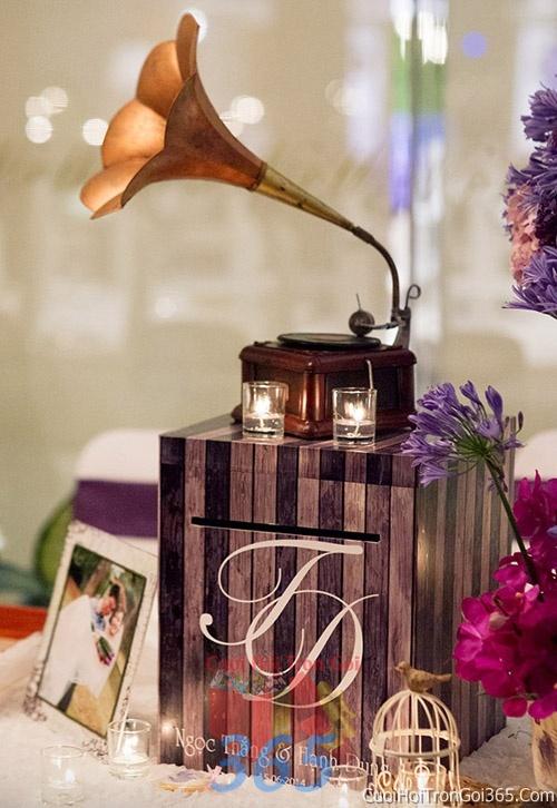 Phụ kiện thùng đựng tiền mừng trang trí đám cưới, không gian tiệc nhà hàng sang trọng ấn tượng PKC19 : Mẫu cưới hỏi trọn gói 365 của công ty dịch vụ trang trí nhà tiệc cưới hỏi đẹp rẻ uy tín ở tại quận Tân Phú Sài Gòn TPHCM Gò Vấp