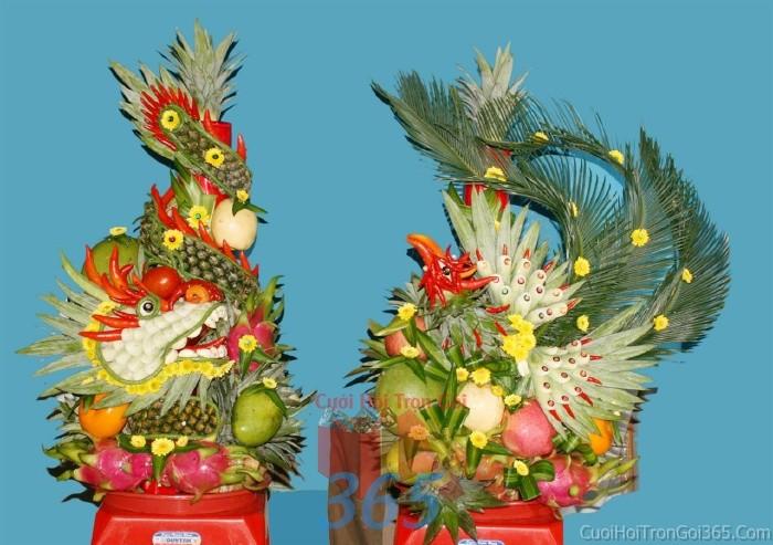 Rồng phụng trái cây tươi ngon, sóng động để trang trí bàn thờ gia tiên ngày lễ cướiRPTC02 : Mẫu cưới hỏi trọn gói 365 của công ty dịch vụ trang trí nhà tiệc cưới hỏi đẹp rẻ uy tín ở tại quận Tân Phú Sài Gòn TPHCM Gò Vấp