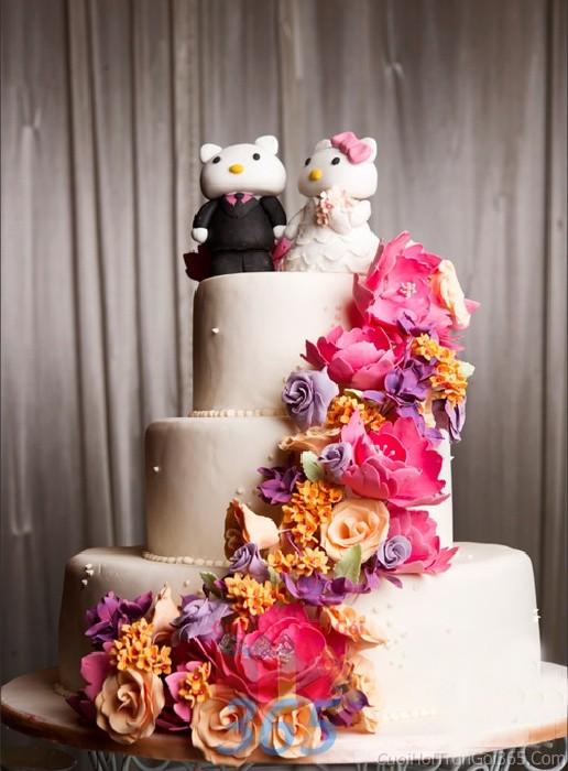 Trang trí bánh kem tông tím hồng đa sắc với hoa hồng tinh xảo,  bánh thú đáng yêu cho sân khấu tiệc nhà hàng ngày đám cướiTRBC32 : Mẫu cưới hỏi trọn gói 365 của công ty dịch vụ trang trí nhà tiệc cưới hỏi đẹp rẻ uy tín ở tại quận Tân Phú Sài Gòn TPHCM Gò Vấp